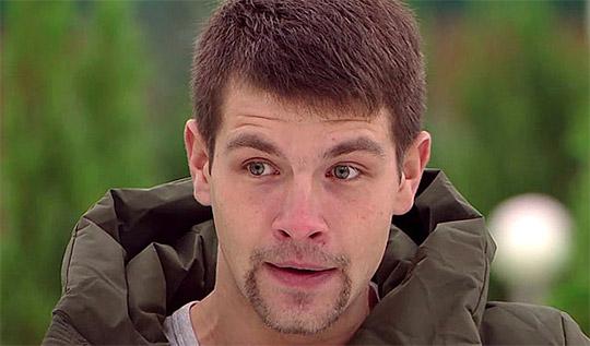 Дмитрий Дмитренко ночует в подъезде