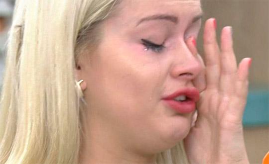 Марина Африкантова плакала на лобном из-за Ромы