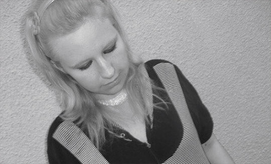 Саша Черно была худой блондинкой